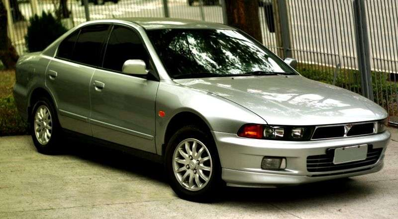 Mitsubishi Galant 8 generation sedan 2.5 V6 MT (2000–2003)
