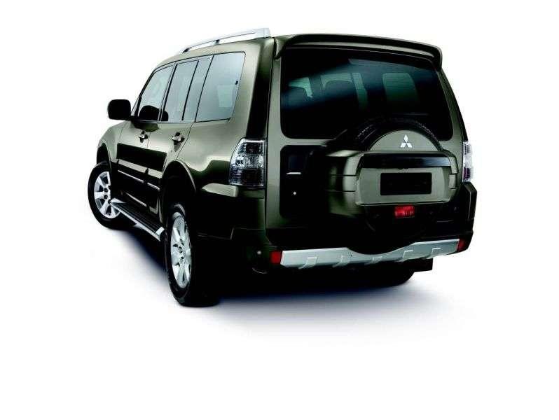 Mitsubishi Montero 4 generation SUV 5 dv. 3.2 DI D AT (2010 – present)