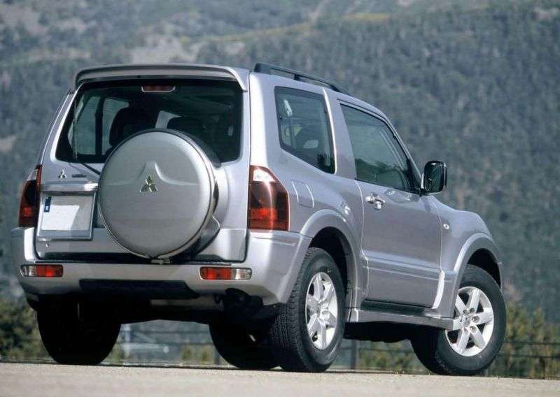 Mitsubishi Montero 3rd generation SUV 3 dv. 2.8 TD MT (1999–2003)
