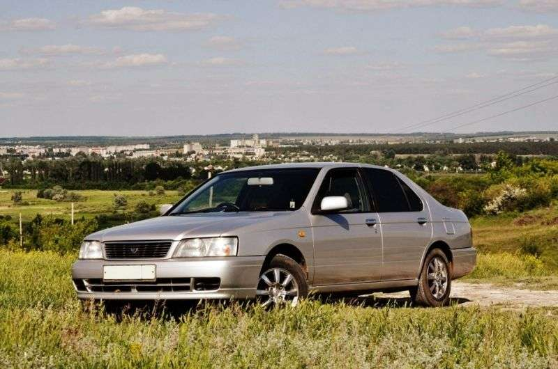 Nissan Bluebird U14 sedan 1.8 SSS AT (1996 2001)