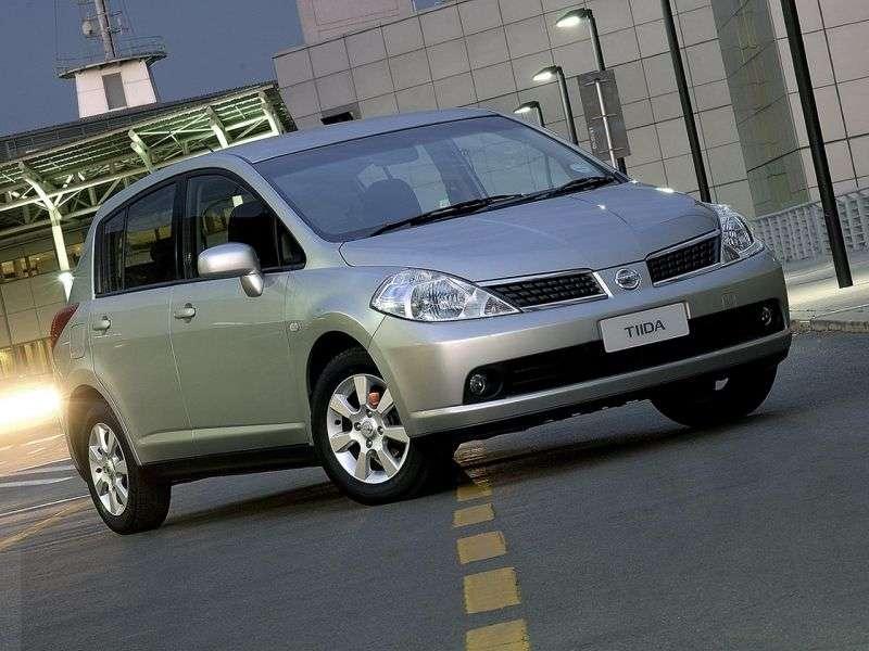 Nissan Tiida C11Thatchback 1.6 MT (2004–2010)