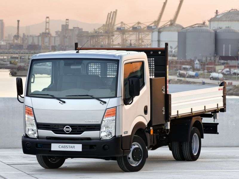 Nissan Cabstar 3rd generation Single Cab board 2 doors 3.0 D MT MWB Base (2012) (2008 – current century.)