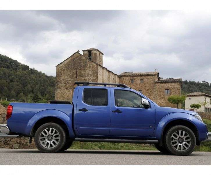 Nissan Navara D40 [restyled] Double Cab pickup 2.5 dCi Turbo AT 4WD SE (2013) (2010 – n.)