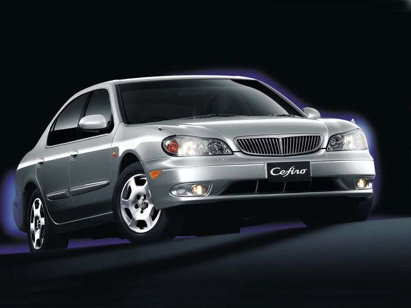 Nissan Cefiro A33sedan 2.5 AT (1999–2003)