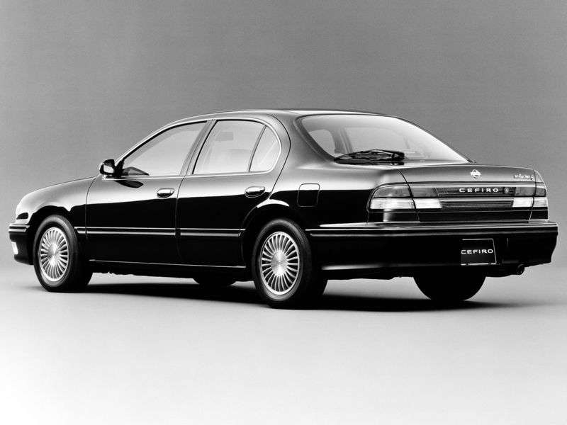 Nissan Cefiro A32sedan 3.0 AT (1994–1996)