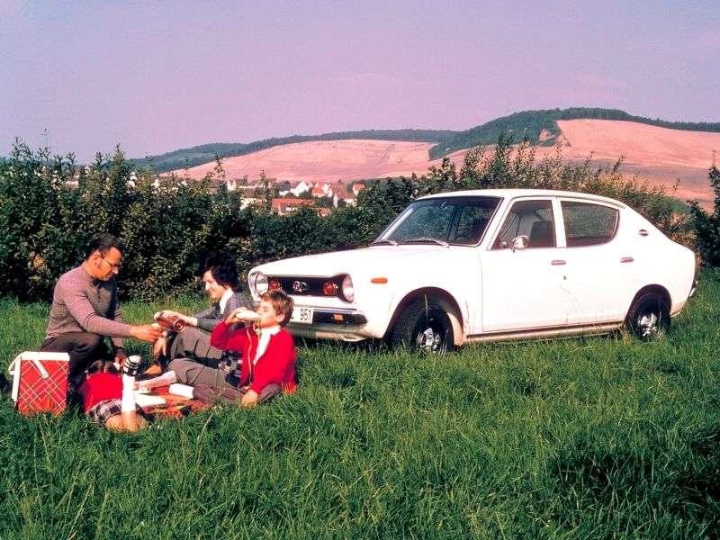 Nissan Cherry E10 sedan 4 dv. 1.2 MT (1971–1973)