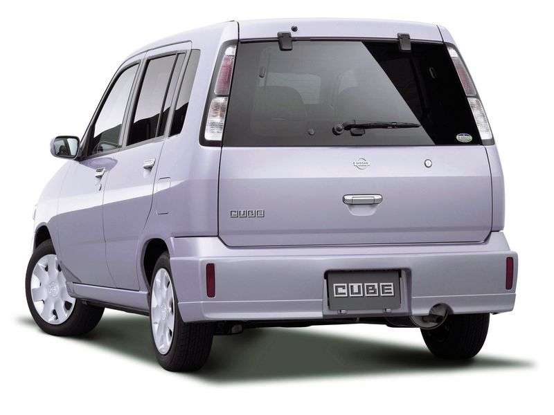 Nissan Cube 1st generation minivan 1.3 AT (2002–2003)