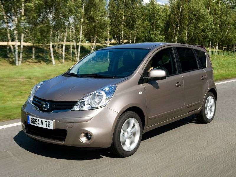 Nissan Note E11 [restyled] hatchback 1.6 AT Luxury (2013) (2009 – present)