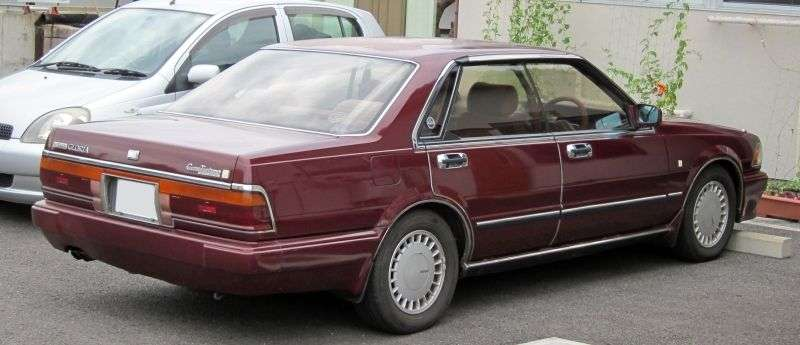 Nissan Gloria Y31hardtop 2.0 AT (1988–1989)