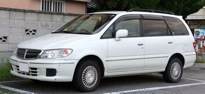 Nissan Presage 1st generation minivan 3.0 AT (2000–2004)