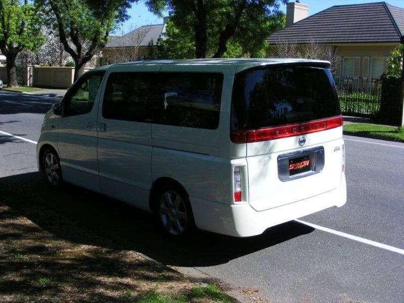 Nissan Elgrand E51NE51 5 door minivan 2.5 AT 4WD (2004–2010)