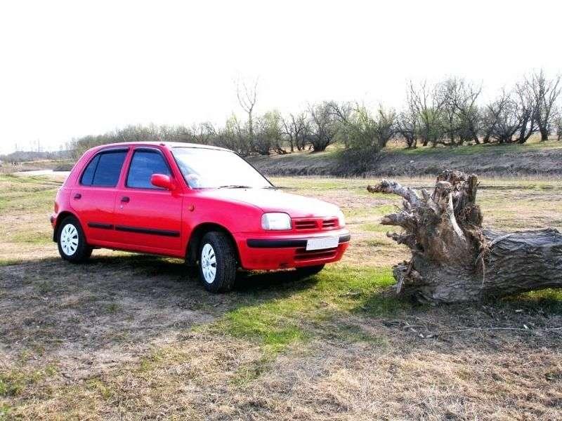 Nissan March K11 hatchback 5 drzwiowy 1,3 mln ton (1992 1997)