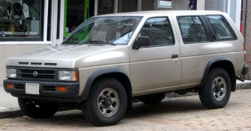 Nissan Pathfinder WD21 5 door SUV. 2.7 TD 4WD AT (1991–1995)