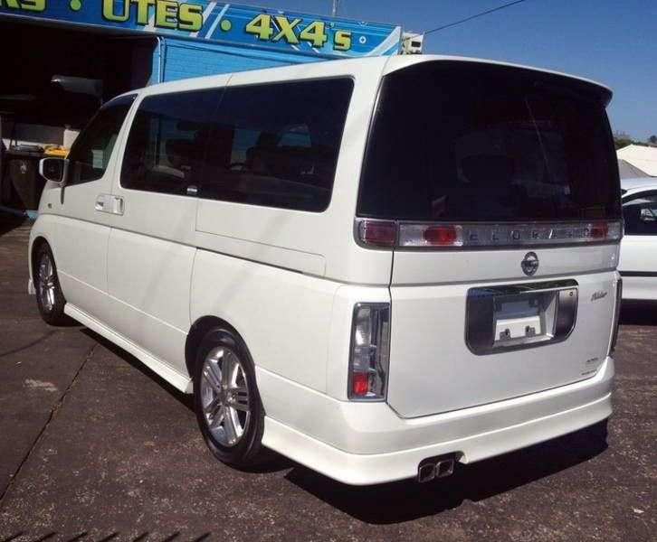 Nissan Elgrand E51NE51 Rider minivan 5 dv. 2.5 AT 4WD (2003–2004)