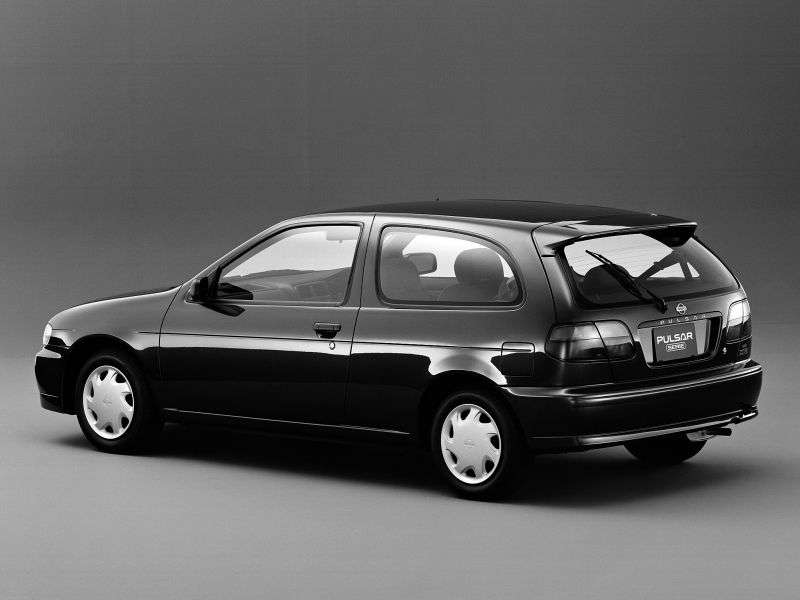 Nissan Pulsar N15Serie Hatchback 1.5 AT (1995–1997)
