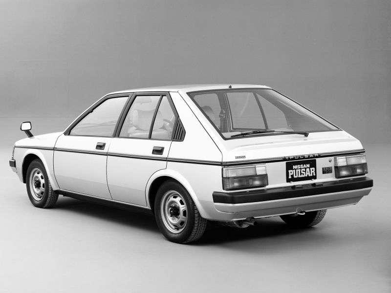 Nissan Pulsar N12hetchbek 5 dv. 1.5 MT (1982–1986)
