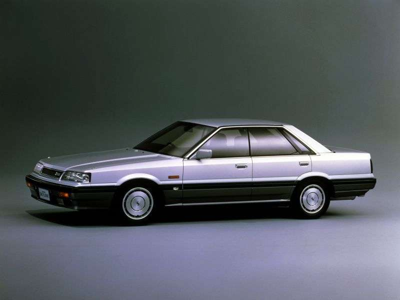 Nissan Skyline R31sedan 4 dv. 2.0 GL MT (1987 – n. In.)