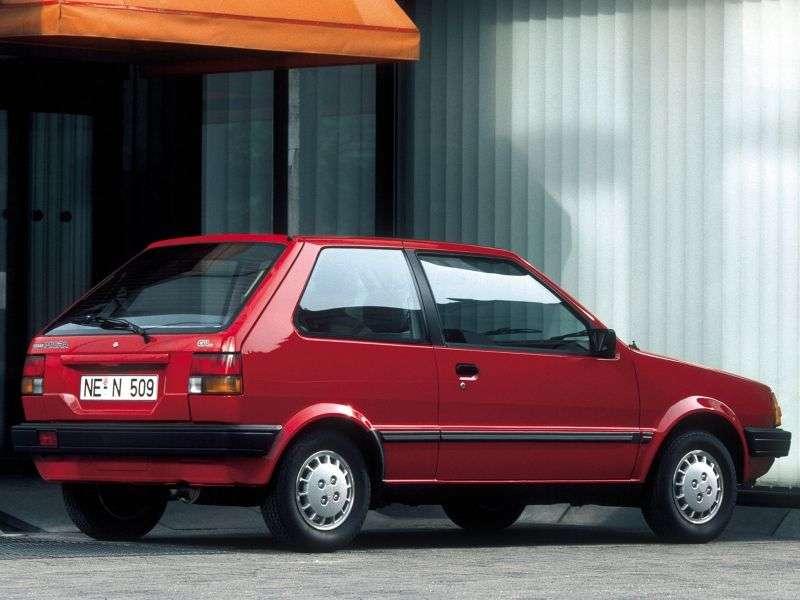 Nissan Micra K10khhetchbek 3 dv. 1.0 MT LS (1982–1989)