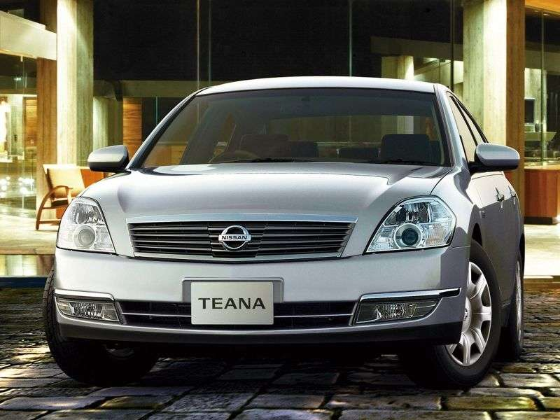 Nissan Teana J31sedan 2.0 AT (2003–2008)