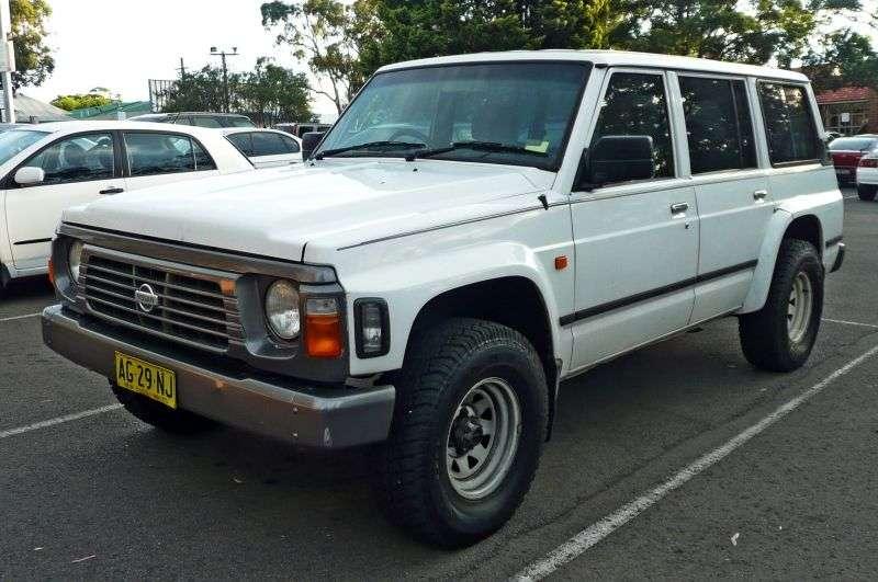 Nissan Safari 161 kombi 5 drzwiowy 4,2 4WD AT (1991 1993)