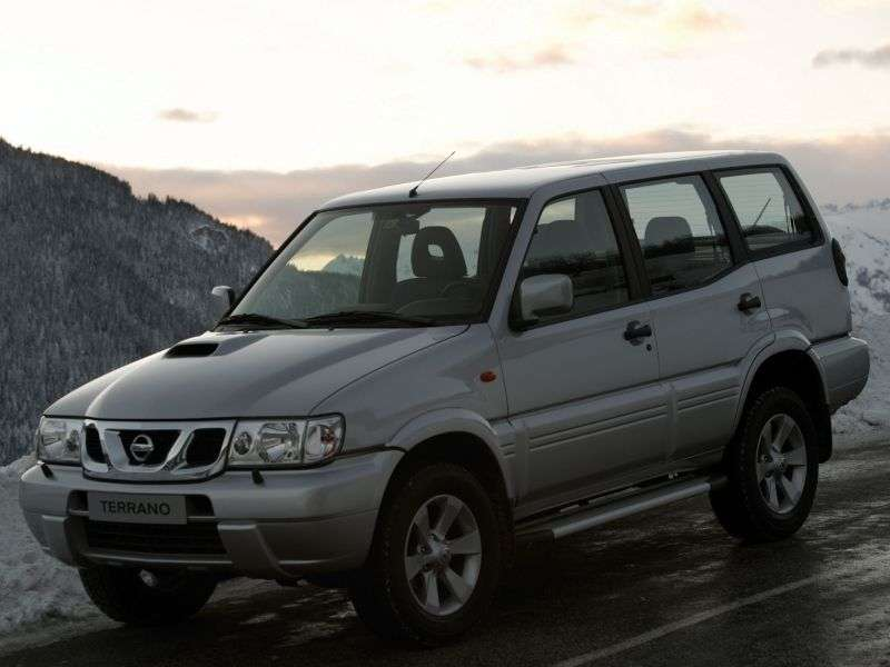 Nissan Terrano R20 [2nd restyling] SUV 5 dv. 2.7 TDi MT (1999–2004)