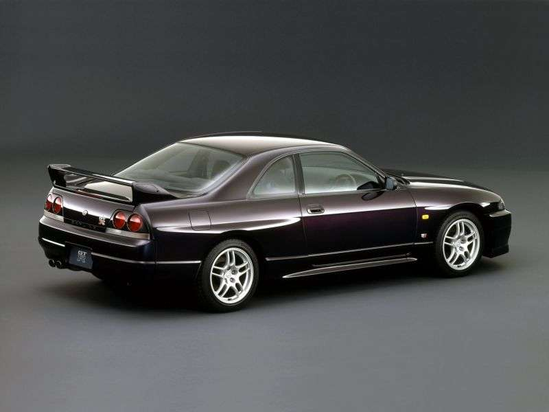 Nissan Skyline R33GT R Coupe 2 doors 2.6 MT 4WD (1995 – present)