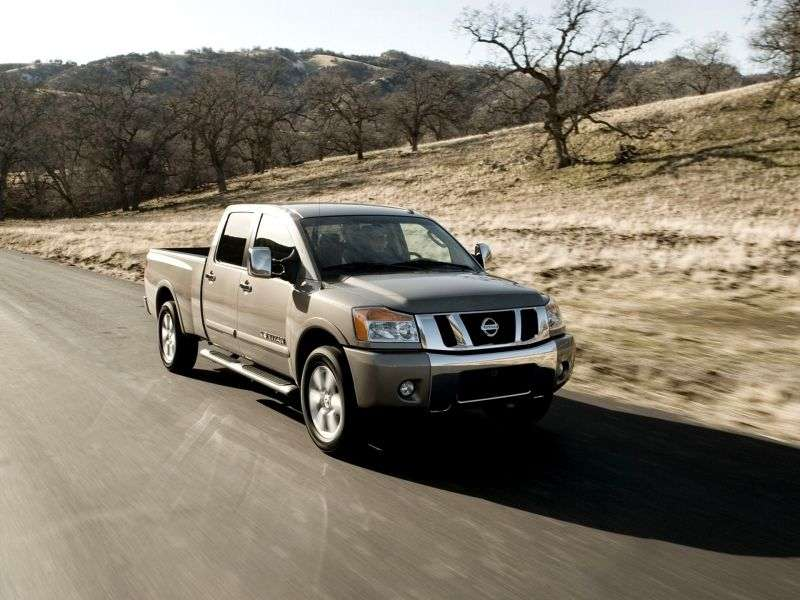 Nissan Titan 2nd generation Crew Cab pickup 5.6 AT SWB 4WD (2007 – current century)