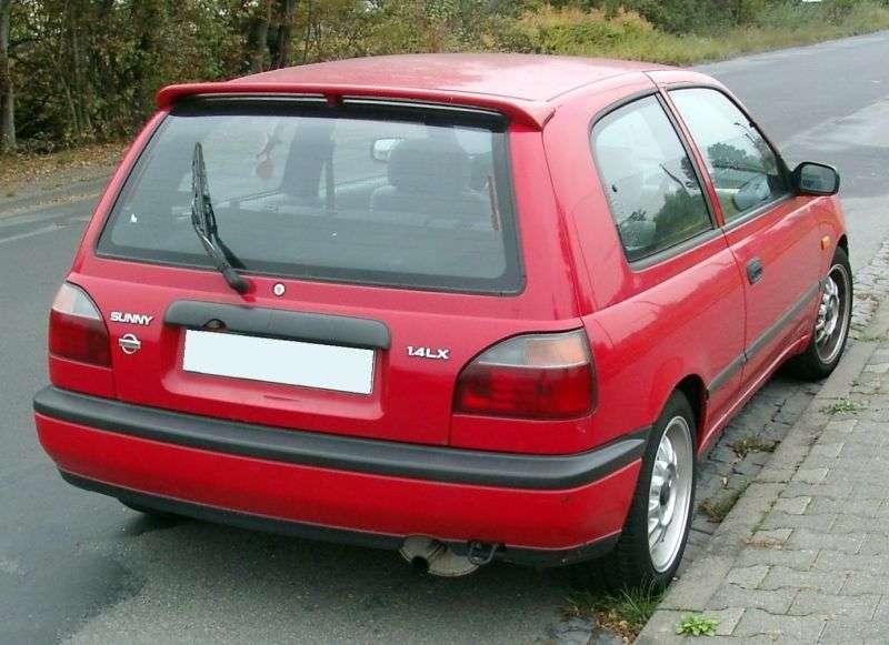Nissan Sunny N14hatchbek 3 dv. 1.6 MT (1990–1994)