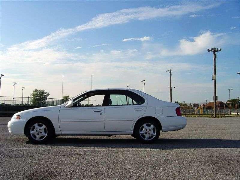 Nissan Altima l30 [restyling] 2.4 MT sedan (2000–2001)