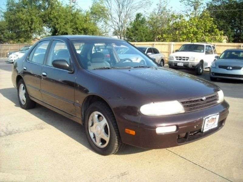 Nissan Altima U13 [zmiana stylizacji] sedan 2.4 AT (1995 1997)