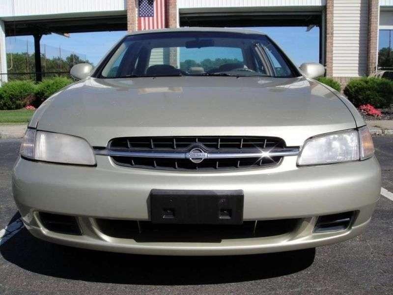 Nissan Altima L30 sedan 2.4 MT (1997 2000)