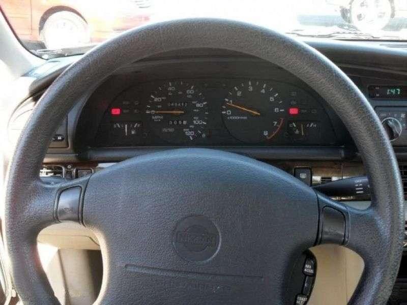 Nissan Altima U13sedan 2.4 AT (1993–1995)