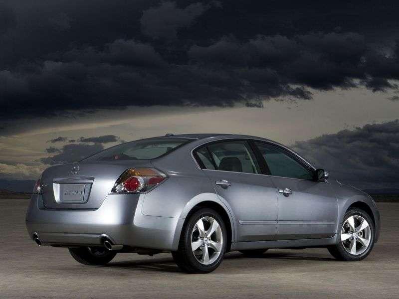 Nissan Altima L32 sedan 3.5 CVT (2007–2009)