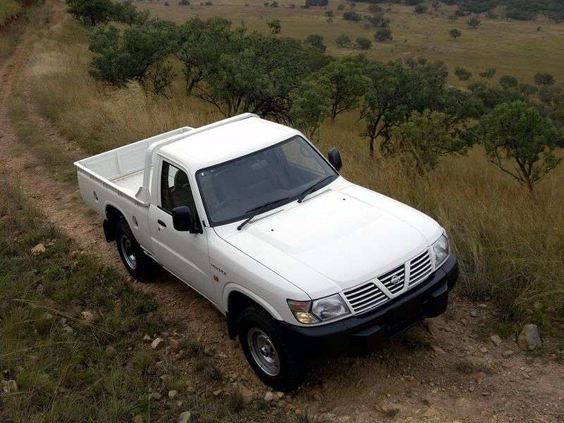 Nissan Patrol Y61 pickup 4.5 MT (1997–2010)