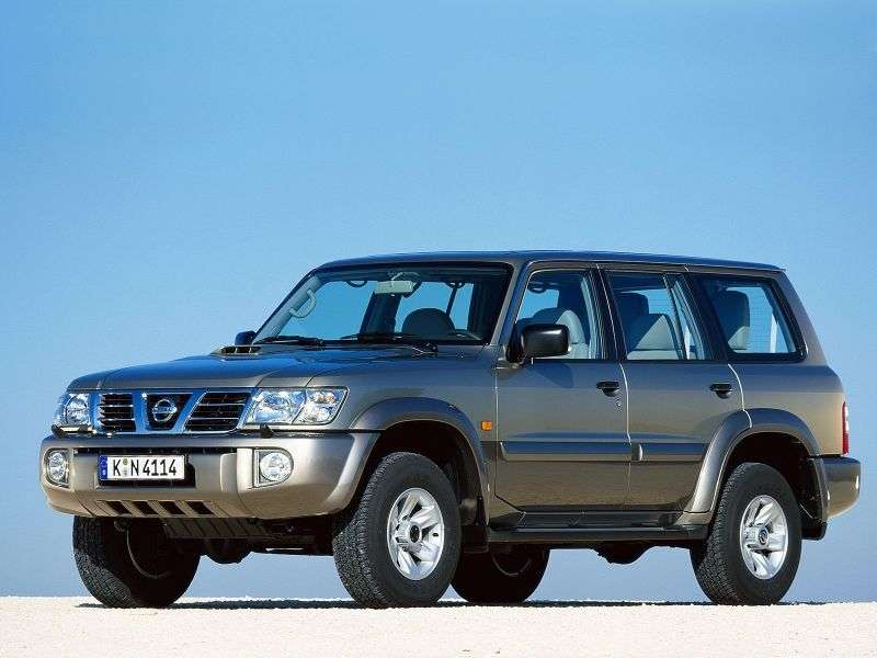 Nissan Patrol Y61 5 doors off road car. 4.2 TD AT (1997–2010)