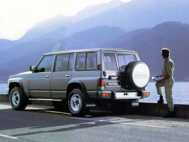 5 drzwiowy SUV Nissan Patrol Y60 2.8 TD MT (1987 1997)