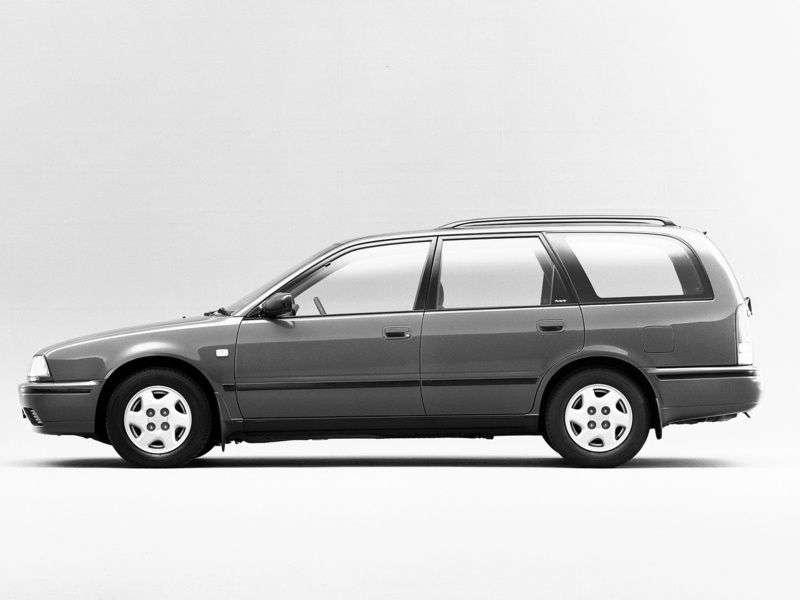 Nissan Avenir W10universal 2.0 D AT (1993–1998)