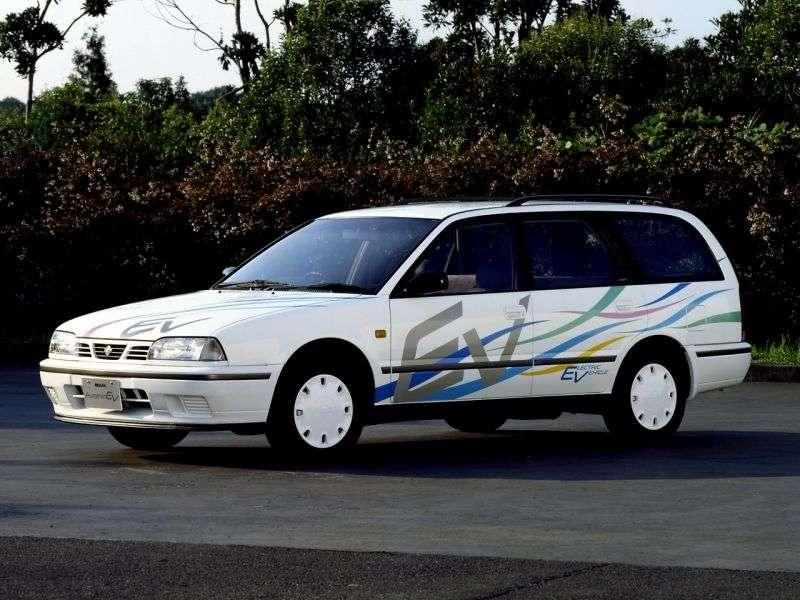 Nissan Avenir W10universal 2.0 MT 4WD (1993–1998)