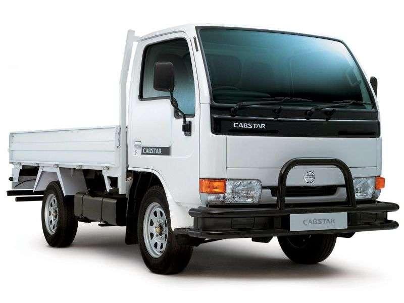 Nissan Cabstar 2nd generation Single Cab board 2 doors 4.7 D MT (2000–2010)