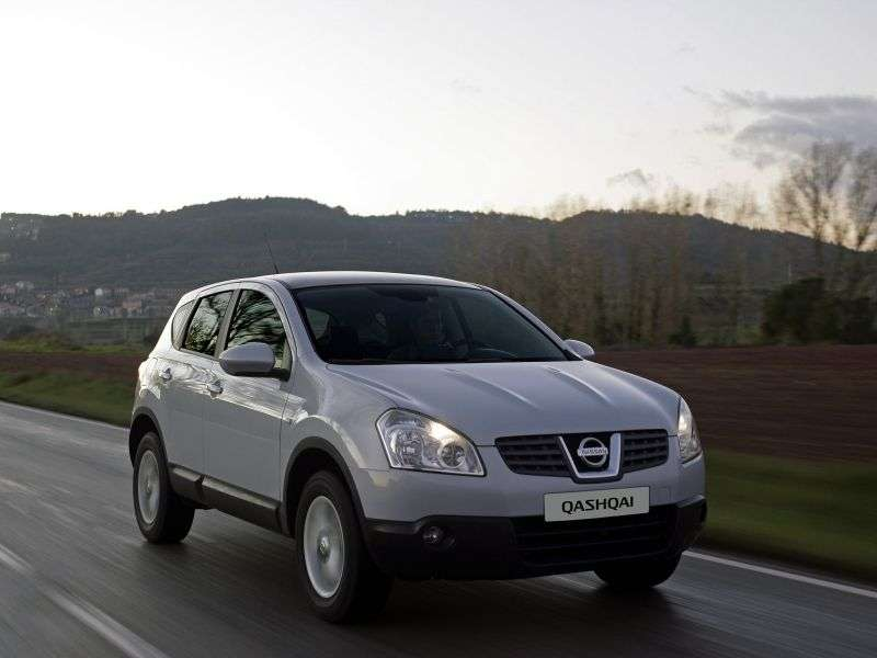 Nissan Qashqai 1st generation 1.6 MT FWD crossover (2007–2010)