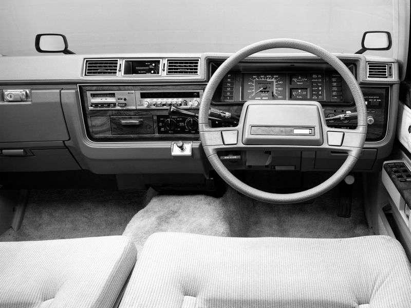 Nissan Cedric 430 [restyling] 2.8 AT sedan (1981–1983)