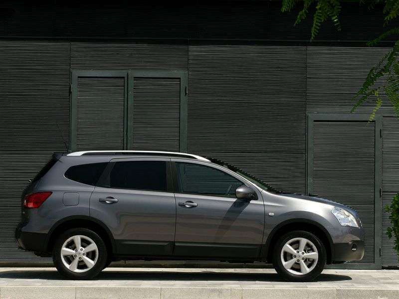 Nissan Qashqai + 2 1st generation 2.0 MT 4WD crossover (2008–2010)