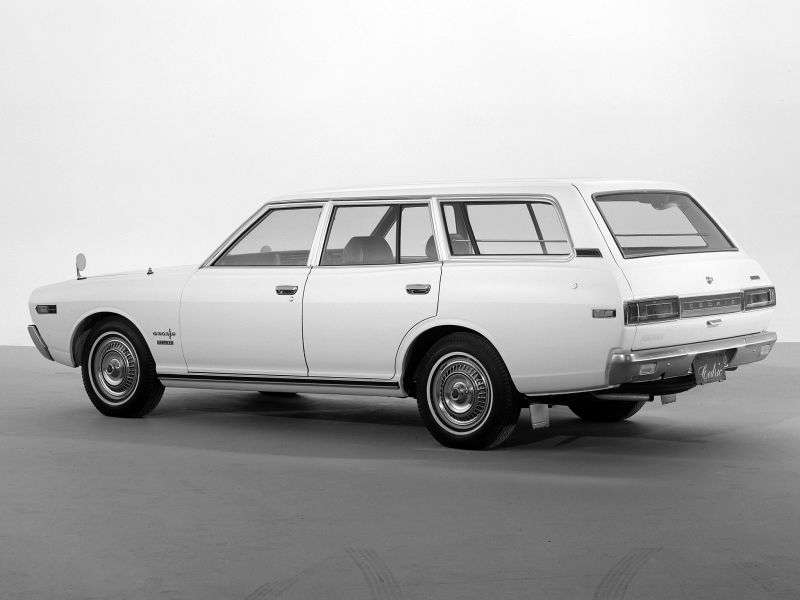 Nissan Cedric 230universal 2.6 MT (1972–1975)