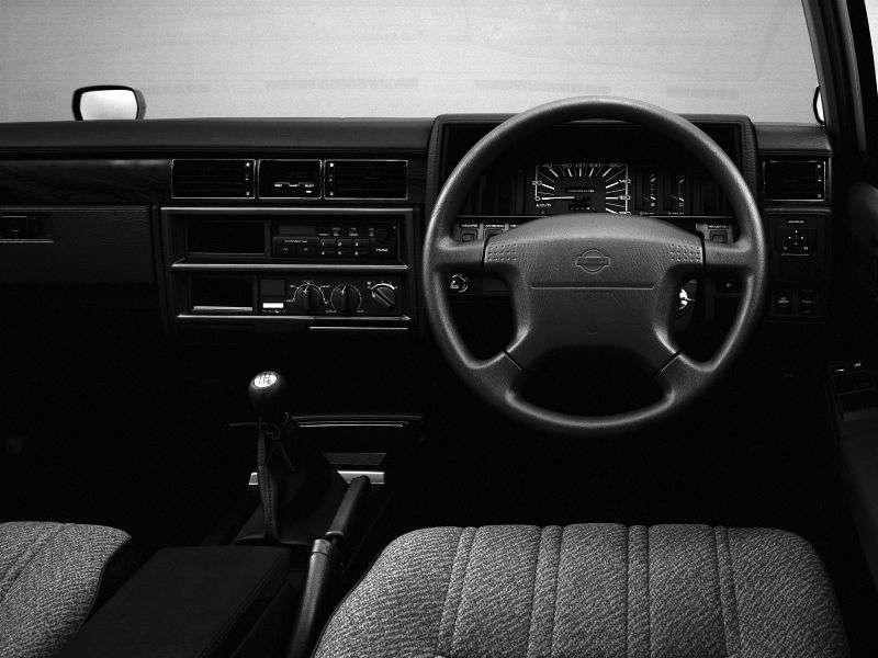 Nissan Cedric Y30 [restyling] station wagon 2.0 AT (1985–1999)