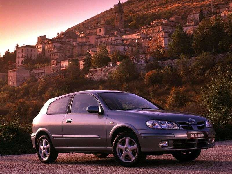 Nissan Almera N16hatchback 3 dv. 1.8 MT (2000–2003)
