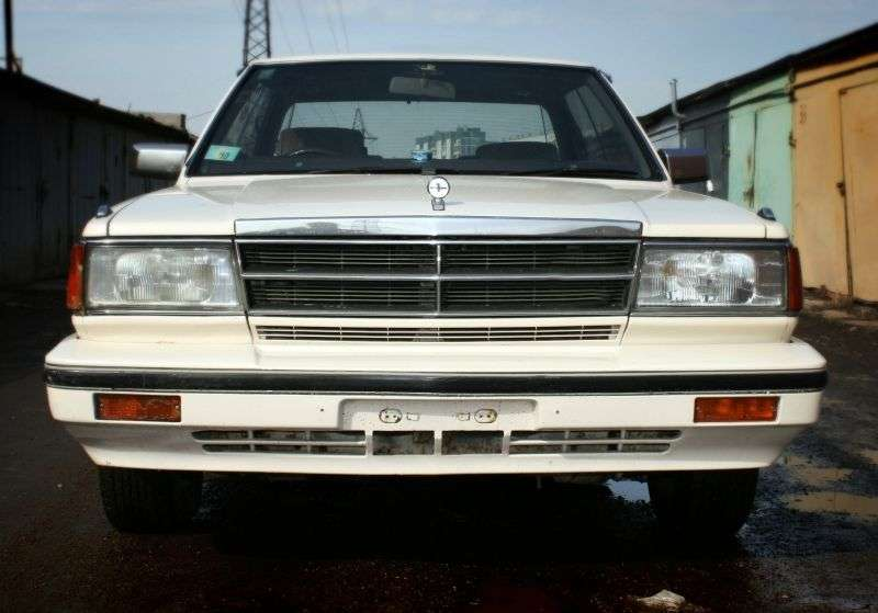 Nissan Cedric Y30hardtop 2.0 MT (1984–1985)