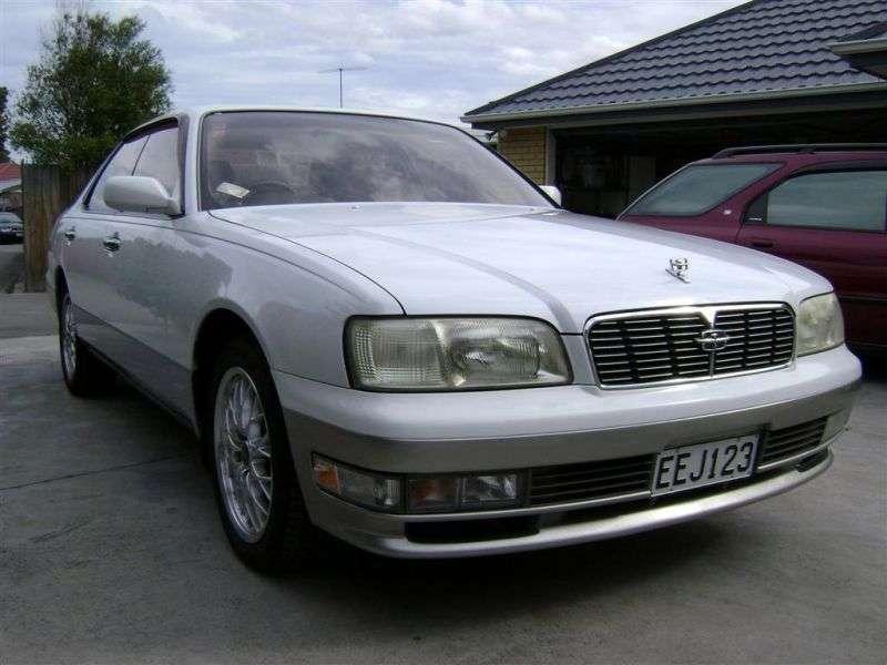 Nissan Cedric Y33sedan 2.5 AT (1997–1999)