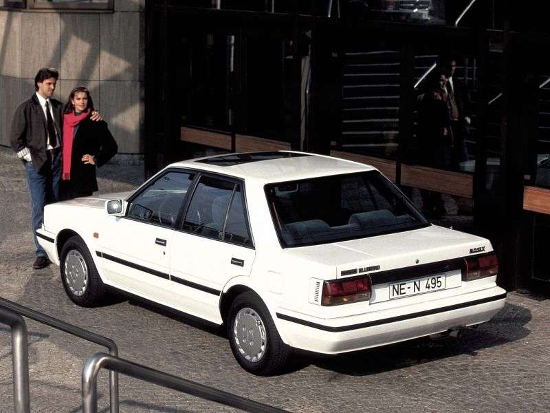 Nissan Bluebird T12 / T72 [2nd restyling] sedan 2.0 AT (1985–1987)