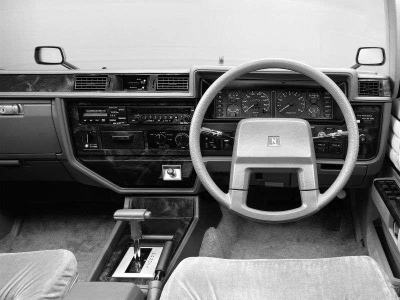 Nissan Cedric 430hardtop 2.0 T MT (1979–1981)