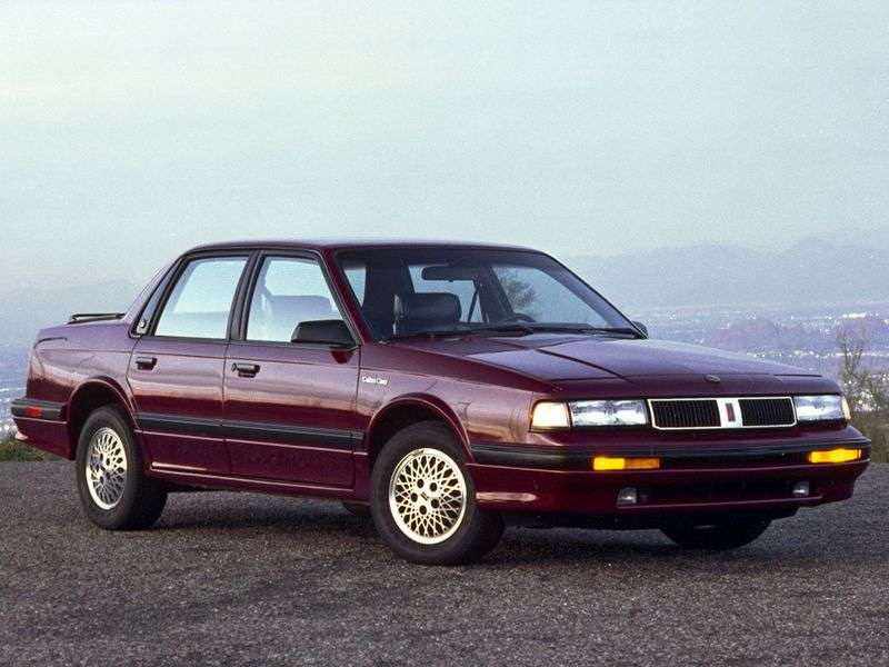 Oldsmobile Cutlass 5th generation Ciera Sedan 3.3 AT (1992–1996)
